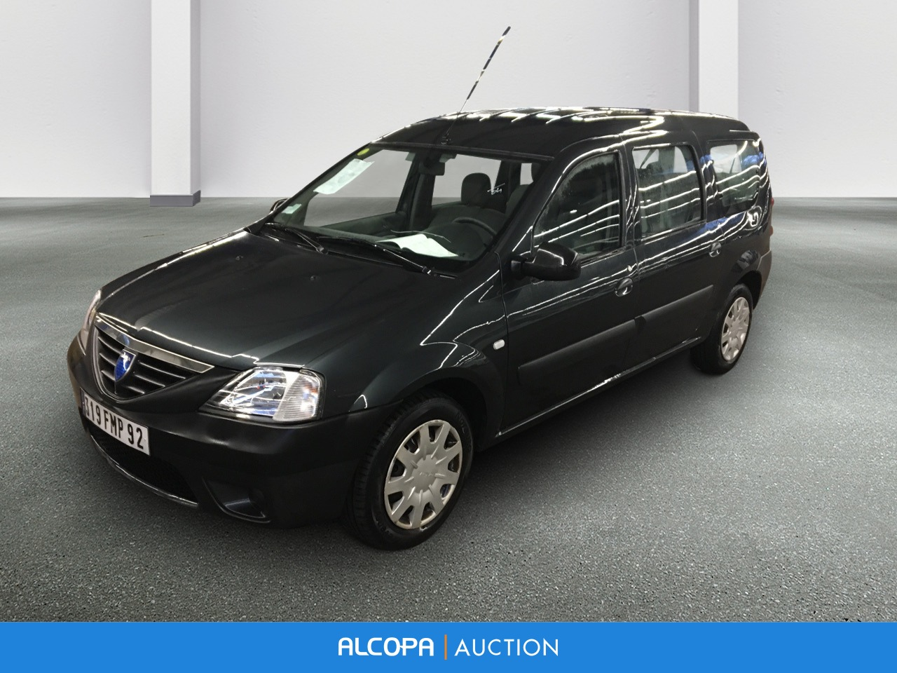 dacia logan mcv 10 2008 11 2012 logan mcv 1 6 mpi 7 places ambiance alcopa auction. Black Bedroom Furniture Sets. Home Design Ideas