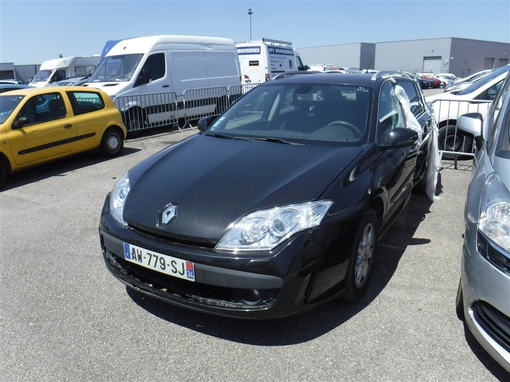 renault laguna estate iii laguna estate iii 1 5 dci 110 eco2 black edition bv6 alcopa auction. Black Bedroom Furniture Sets. Home Design Ideas