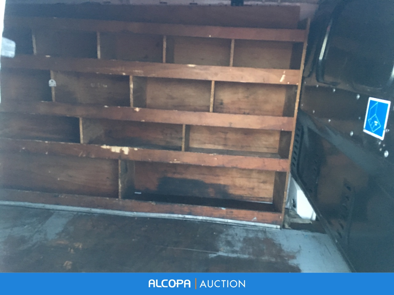 mercedes benz vito fourgon vito 110 cdi 2 8t compact marseille alcopa auction. Black Bedroom Furniture Sets. Home Design Ideas