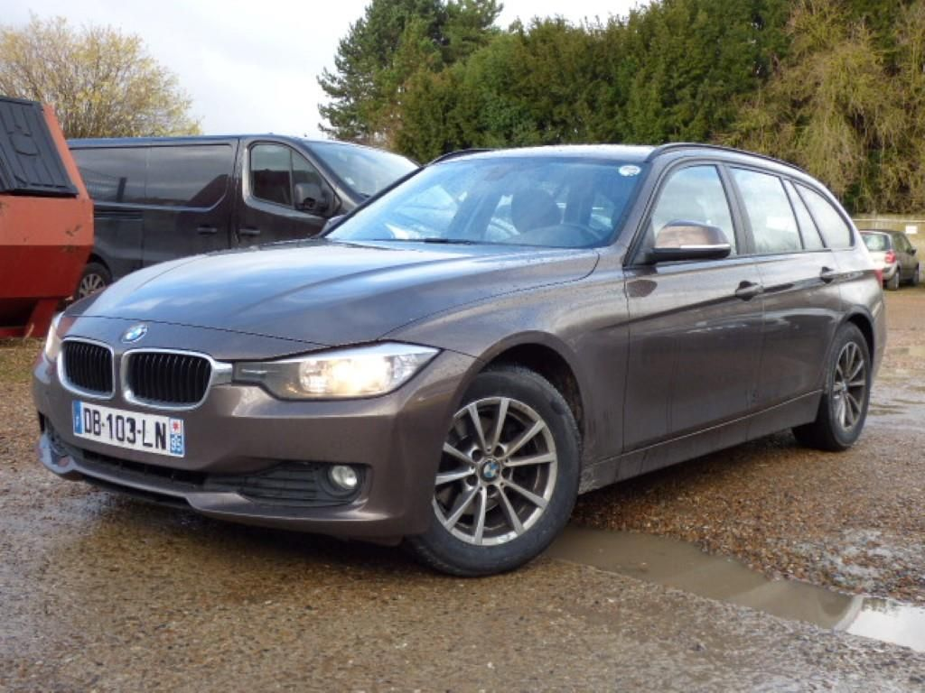 bmw serie 3 touring f31 07 2012 07 2015 touring 318d 143 ch 119 g business a alcopa auction. Black Bedroom Furniture Sets. Home Design Ideas