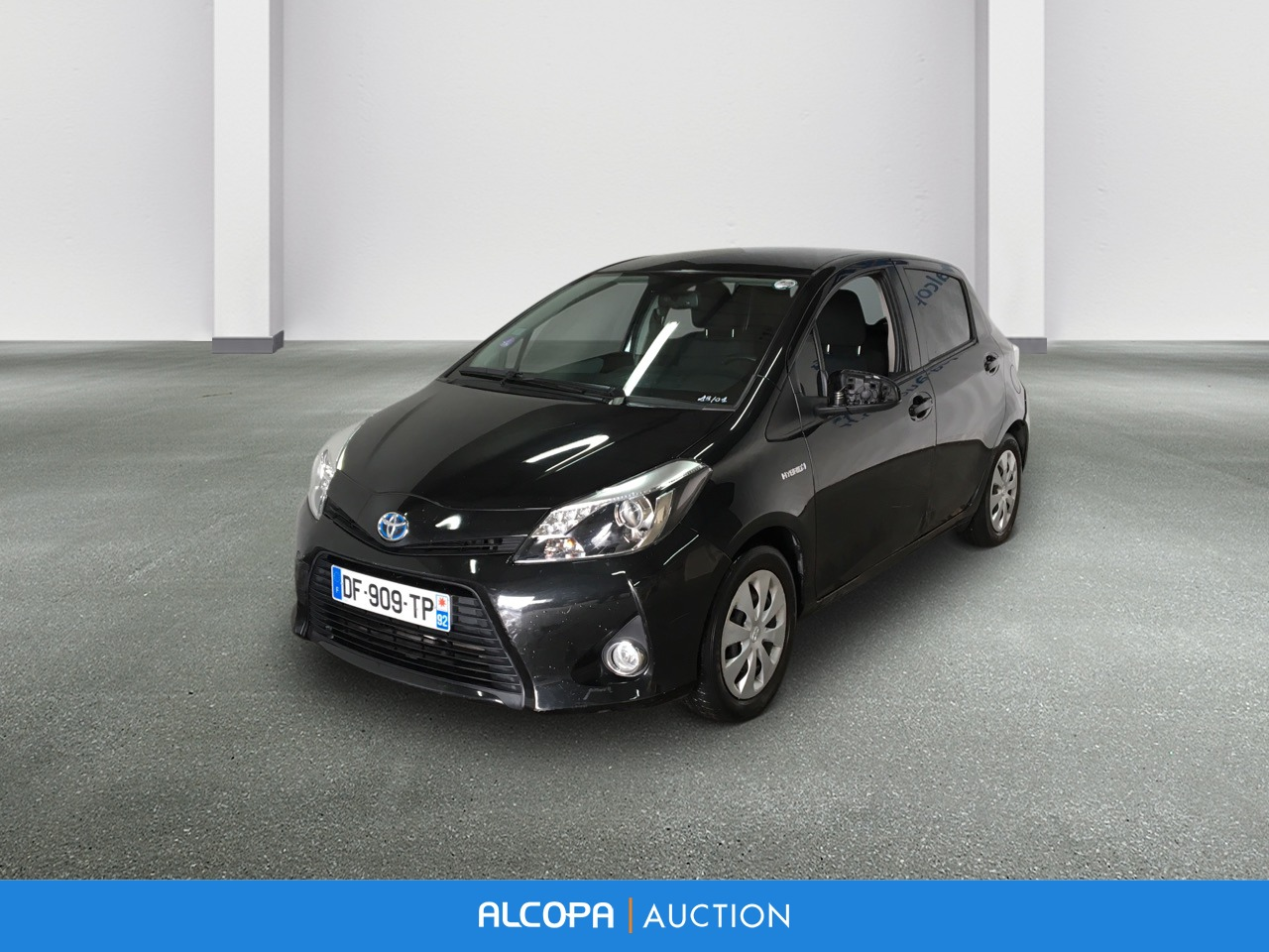 toyota yaris hybride business yaris 100h dynamic alcopa auction. Black Bedroom Furniture Sets. Home Design Ideas