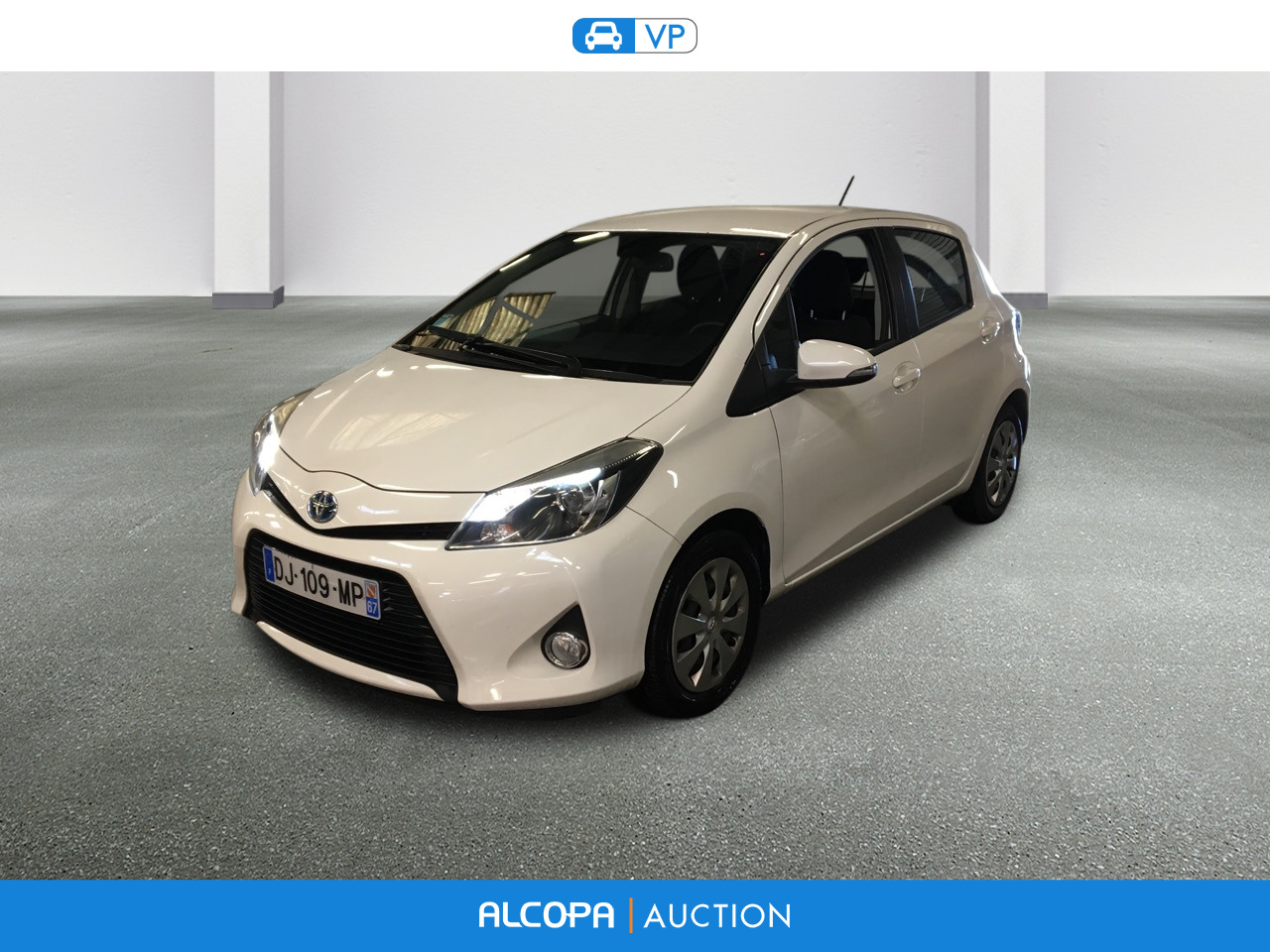 toyota yaris hybride 11 2013 12 2014 yaris 100h dynamic alcopa auction. Black Bedroom Furniture Sets. Home Design Ideas