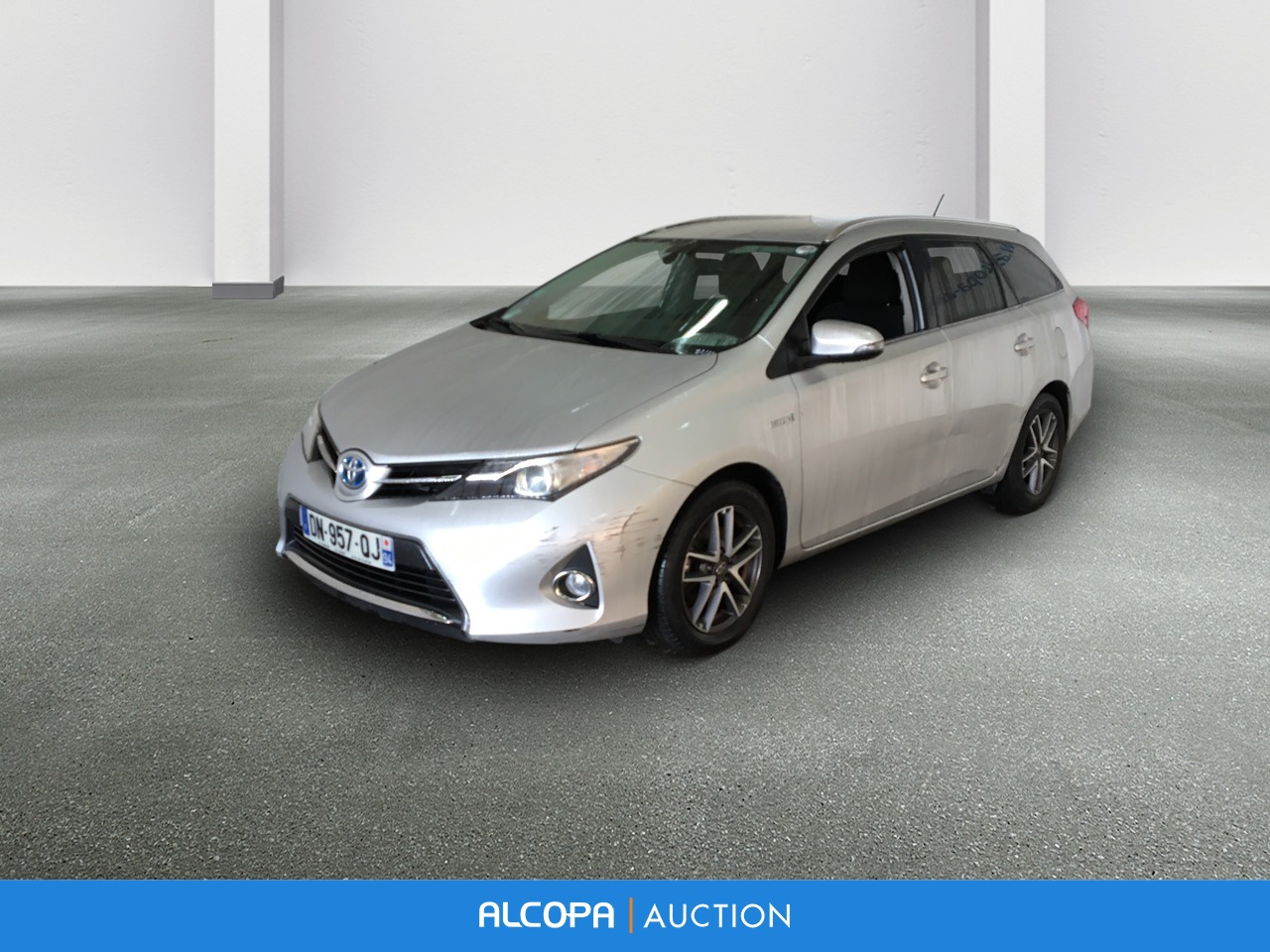 toyota auris auris touring sports hybride 136h feel alcopa auction. Black Bedroom Furniture Sets. Home Design Ideas